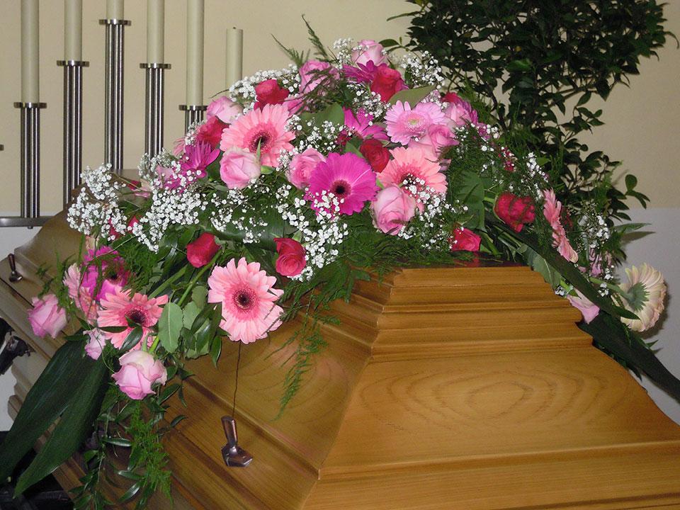 Trauerfloristik, Trauerschleifen und Grabschmuck