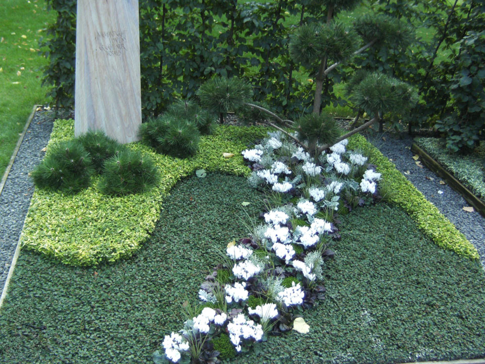 grabbepflanzung-grabpflege-(15)